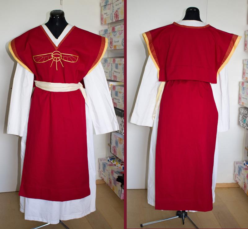 Alltagskleidung einer Praiosgeweihten. Kostüm für die RatCon 2013.